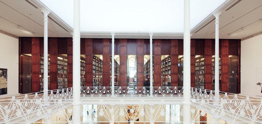 Biblioteca Fundación Tàpies Barcelona