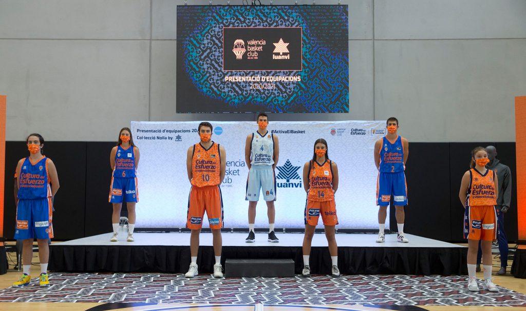 Presentación de las camisetas del Valencia Basket Cerámica Nolla