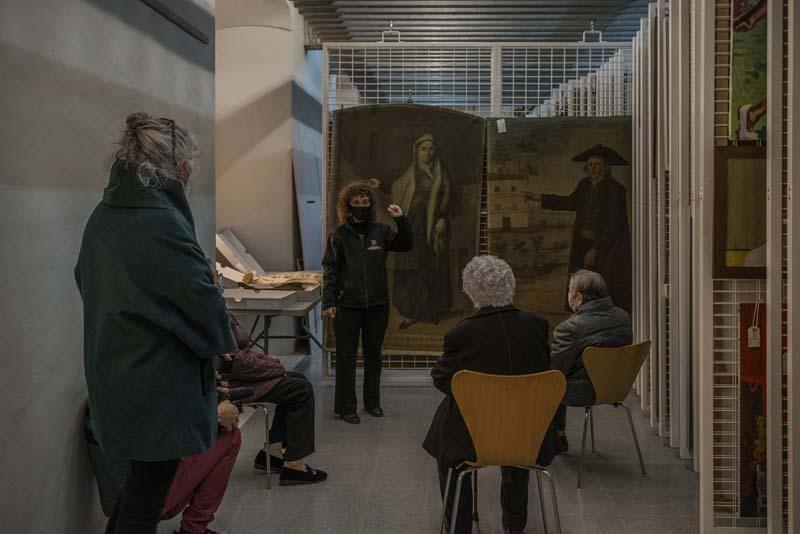 Visita a los almacenes de los Museus d'Olot